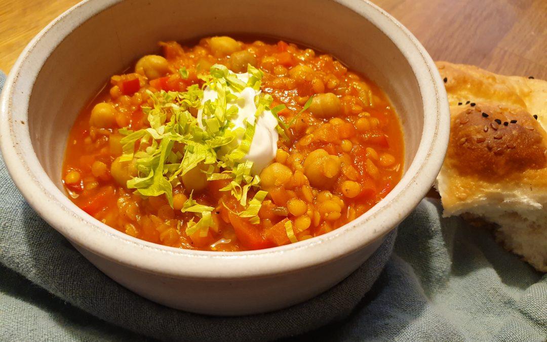 Rezepte aus der Schulküche – Orientalischer Linseneintopf (vegan)